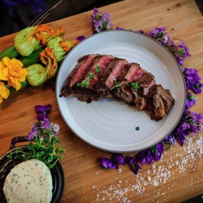 Steaks & Fußball - spannend, saftig und auf den Punkt.