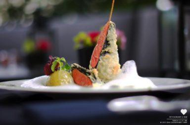 HEART Restaurant & Bar - Basilikumsorbet mit weissem Tomatenschaum & Lachsinvoltini