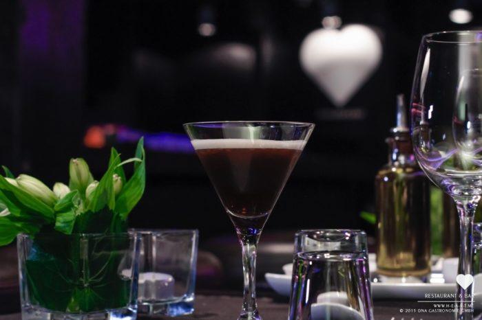 Cocktail of the month. Weitere ♡ Cocktail Rezepte finden Sie unter: http://bit.ly/heart-cocktails // Copyright © 2015 DNA GmbH