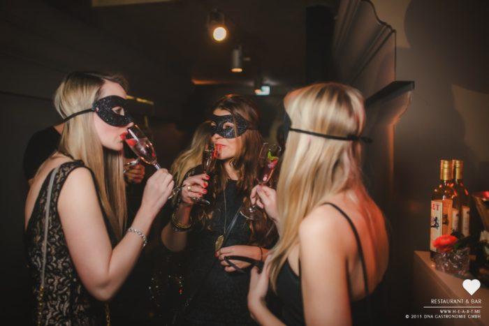 masquerade-16-13