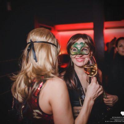 masquerade-16-16