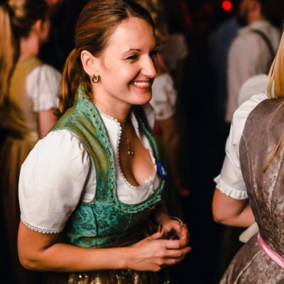 Rückblick & Highlights vom Wiesn Opening - September 2016  ♡ Instagram: https://www.instagram.com/heart_munich/  Mehr Fotos in unserer ♡ HEART App. Kostenloser Download im App Store: http://bit.ly/heart-app  Mobil reservieren: http://bit.ly/tisch-heart www.facebook.com/heart.munich http://www.h-e-a-r-t.me/  Copyright 2016 © DNA GmbH Photos: M. Kaydirma - T. Lehmann